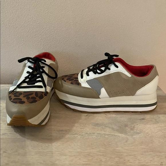 Zara Leopard Print Platform Shoes sz 8